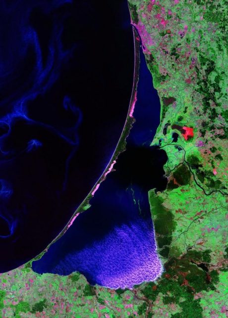 Curonian_Spit and Lagoon Satellite photo by Landsat NASA 2000