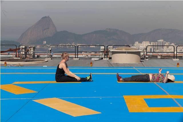 RG-Rio de Janeiro RJ 28/05/2013 -  Caminhada silenciosa pelo centro da cidade, coordenada por Vivian Caccuri.Rio de Janeiro RJ - foto de Daniela Dacorso ag O Globo