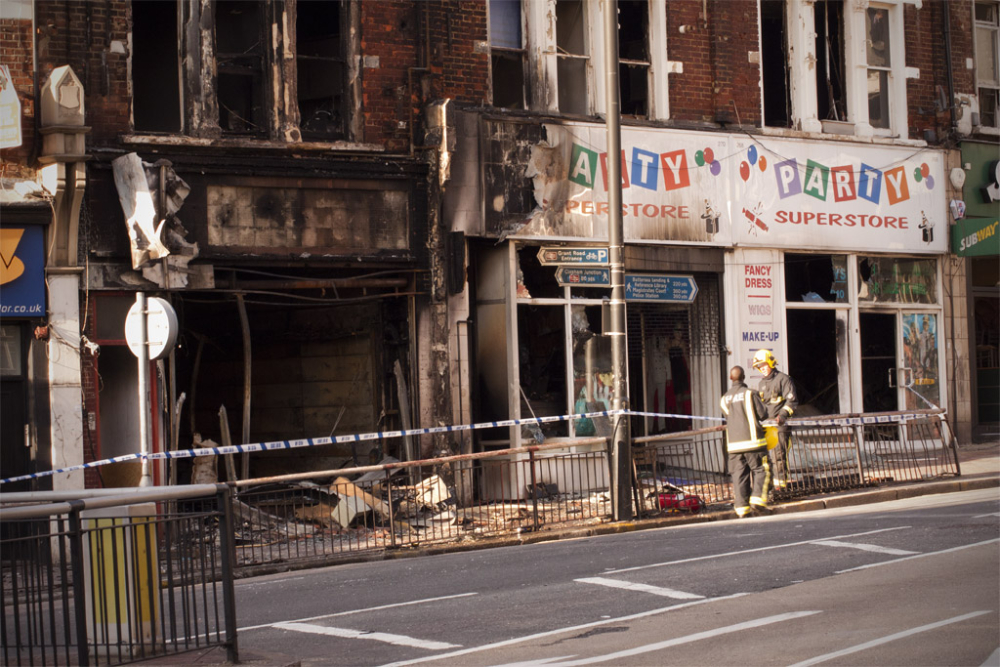 Clapham during the 2011 London Riots, photograph by bayerberg
