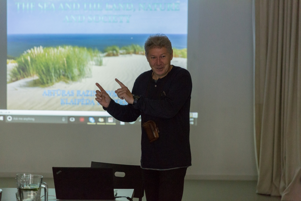 "08A9837-001 prof. Artūras Baziukas-Razinkovas (LT) lecture ""Curonian spit: metamorphosis in between the sea and the lagoon, nature and society"""