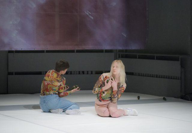 3-maria-metsalu-_fuchsia_-nu-performance-festival-photo-silvia-parmann
