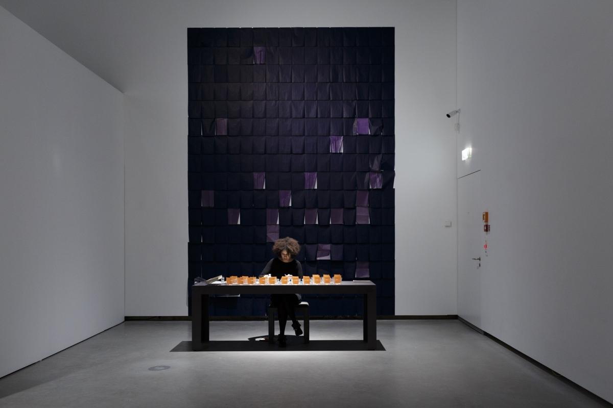 Season Butler during the performative installation Maiitude |mī ē toōd|, 2017. Photo: Andrejs Strokins. Latvian Centre for Contemporary Art, 2017