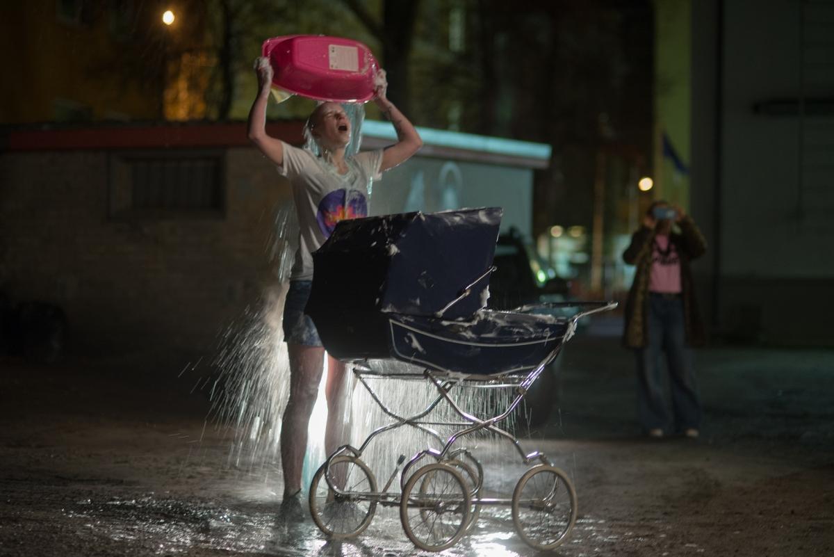 Mētra Saberova Pimpin'Yo Mama Crib 2017, opening performance