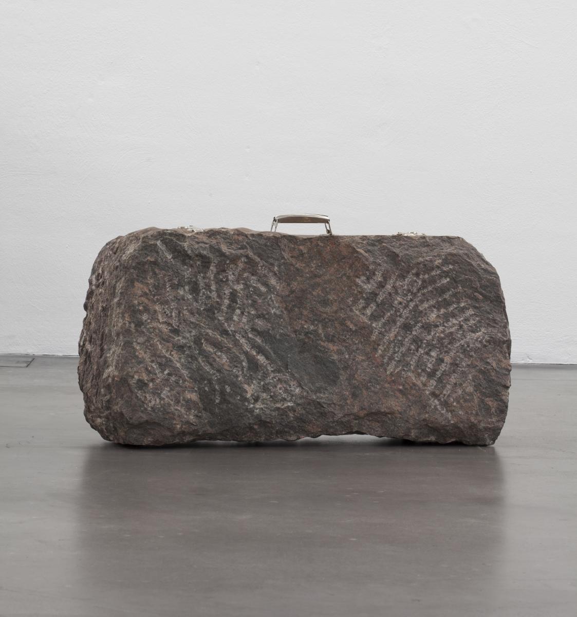 Gediminas Urbonas, Suitcase, 1988, Collections, photo: Finnish National Gallery/Pirje Mykkänen