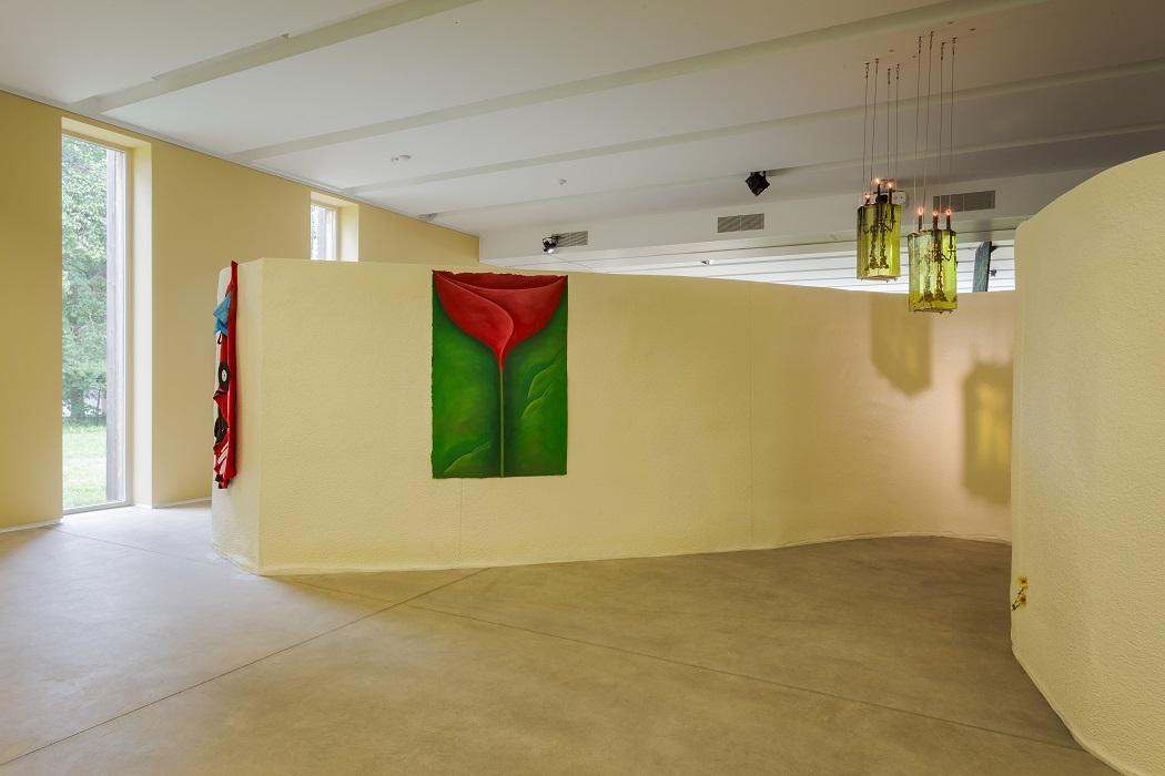 Rebecca Ackroyd, tender place, 2018. Paper, gouache, soft pastel, 150 x 100 cm.