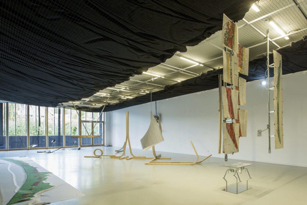 (Per)forming Scapes exhibition architecture by Ona Lozuraitytė & Petras Išora