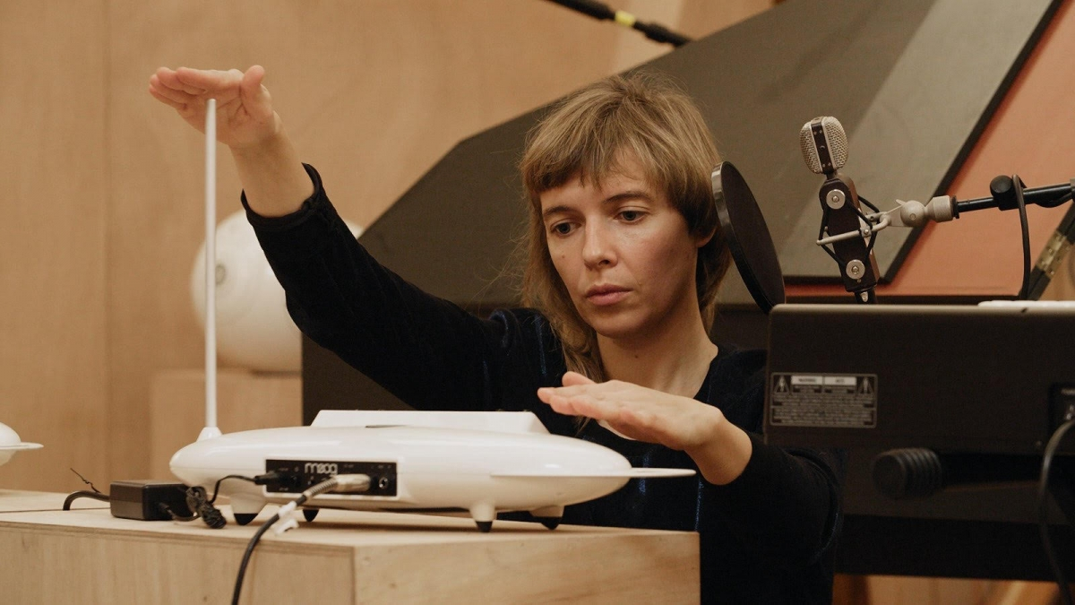 Lina Lapelyte, courtesy, 'Studio Venezia', Xavier Veilhan, 2017