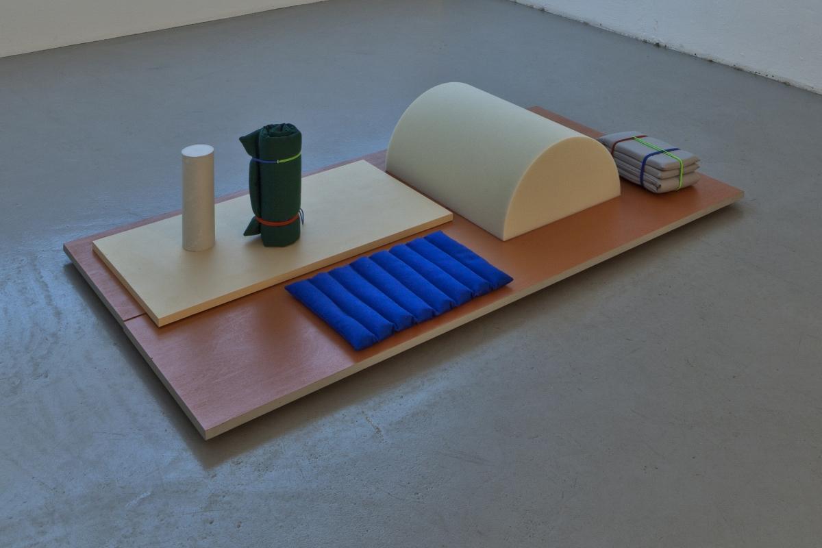 "Ann Pajuväli, ""Play Sets"", video, porolone, plywood, fabric, buckwheat, 2019 Animation in collaboration with Karri Kaljend. Photo: Anu Vahtra"