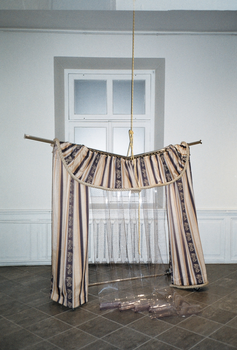 Kadi Estland, Untitled. Rack, PVC strips, rope, curtains. 2019. Courtesy of the artist. Photo by Marta Vaarik